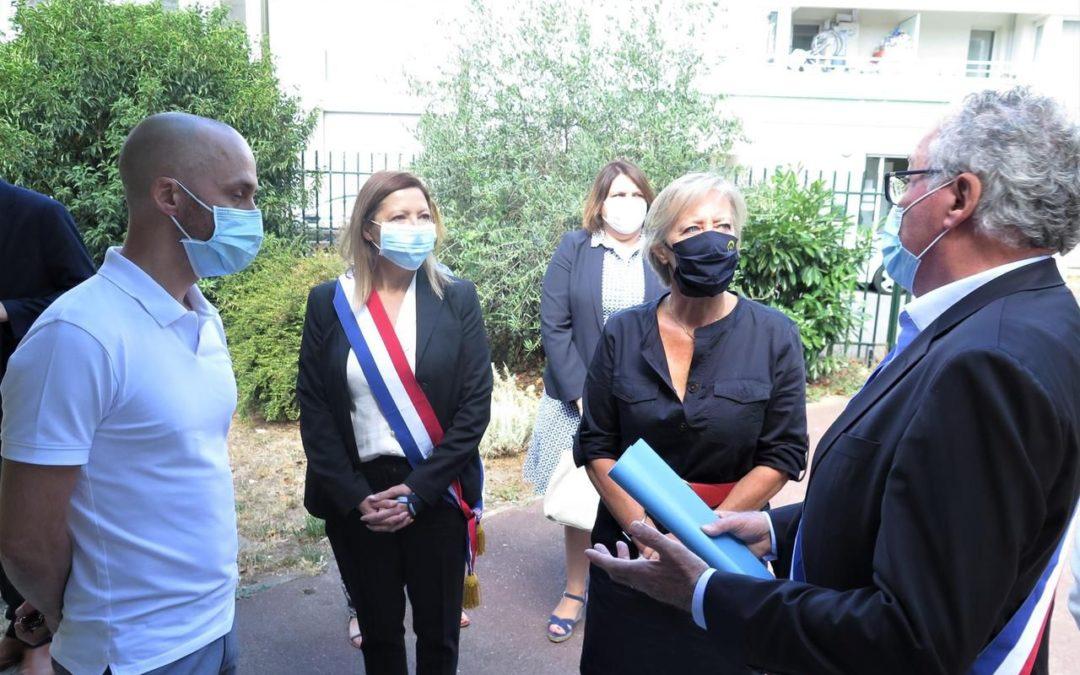 Achères – Visite de la secrétaire d'État, Sophie Cluzel, dans un centre de loisirs tourné sur l'inclusion