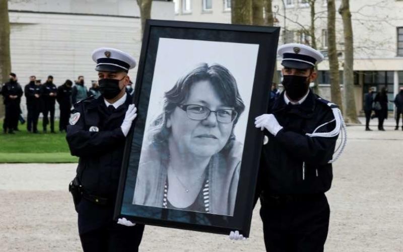 Hommage national à Stéphanie Monfermé