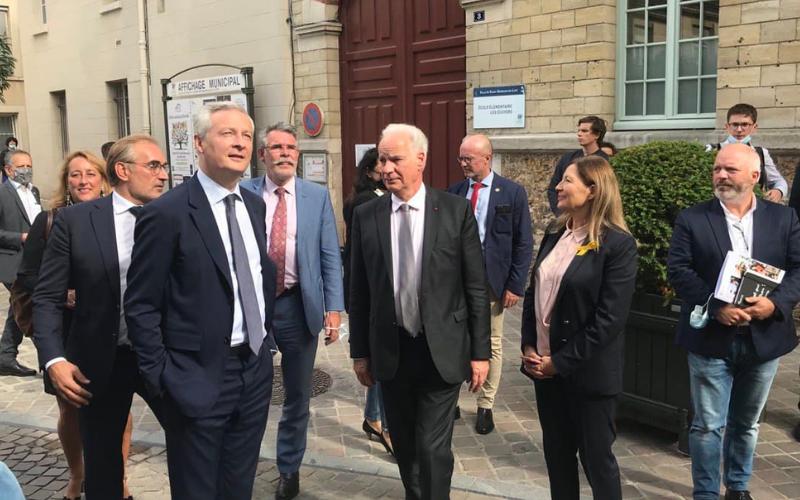 Le «Plan Indépendants» présenté par Bruno Le Maire et Alain Griset à Saint-Germain-en-Laye